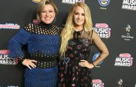 kelly_clarkson_carrie_underwood_gettyimages-981590892-1