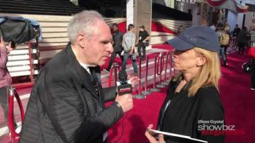 Cartoonist Liza Donnelly Interview at the Oscars