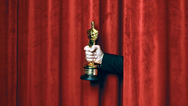 Motion Picture Academy Considering Postponing 2021 Oscars